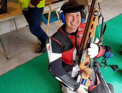 VANT: Hanne Waag fra Surnadal vant skytterstevnet Eide og Naas Vårstevne.