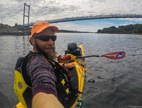 SPREK: Richard Varga padler fra Lofoten til Ungarn.