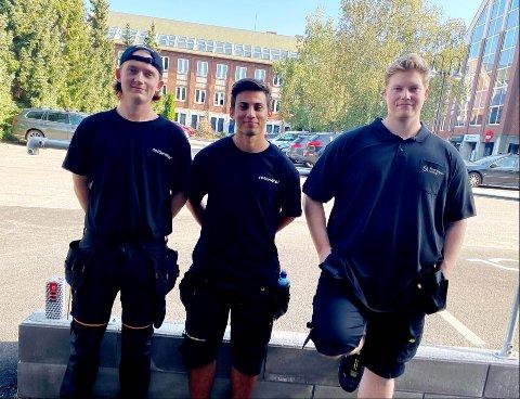 UT AV KØEN: At Nav skulle flytte kontorer, viste seg å være veien ut av Nav-køen for Fredrick Enger (20), Brik Boufous (20) og Remy Hogstvedt Wiig (29).