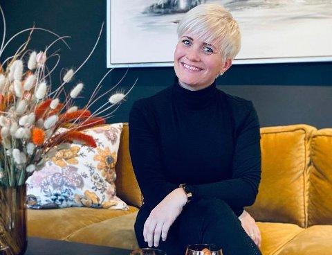 BOLIGSTYLIST: Margrethe Fossdal har drevet eget firma innenfor boligstyling siden 2018 og har ofte oppdrag på Jæren.