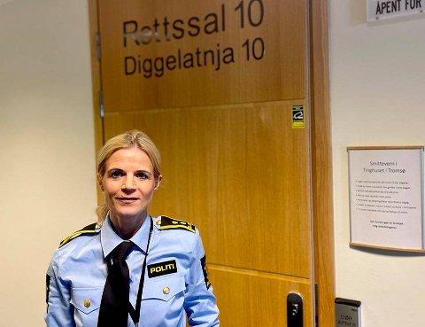 FENGSLINGSMØTE: Politiadvokat Gøril Lund utenfor rettssal 10 i Nord-Troms tingrett.