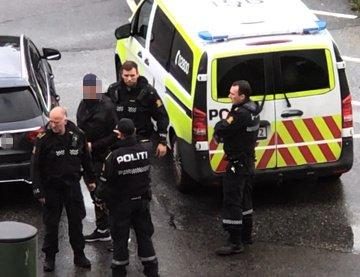Politiet rykket ut med våpen tirsdag ettermiddag.