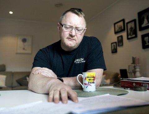 Utmattede Odd Arne Moe (45) forteller at han alltid har jobbet lange dager, til familiens store frustrasjon.