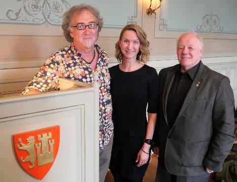 I QUIT. Jan-Kåre Fjeld (t. v.), Therese Troy Prebensen, og Erik Simens Larsen, er på utgående kontrakt etter mange år i bystyret.
