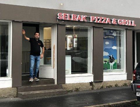 Pizzabaker og innehaver, Ali Saber, i Selbak pizza, leverte knalltall i 2020.