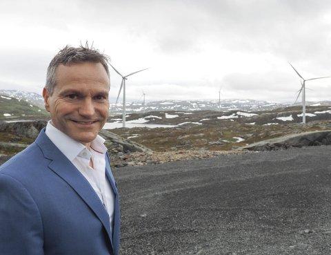 Spennende sommer: Direktør Eirik Frantzen er forberedt på hardt arbeid gjennom sommeren for å se om Nordkraft og en konkret mulig kjøper kan komme fram til enighet om en pris for både Nygårdsfjellet vindpark og de to vindkraftkonsesjonene Ånstadblåheia og Sørfjord. På Nygårdsfjellet står 14 vindmøller for en årsproduksjon på rundt 100 GWh.