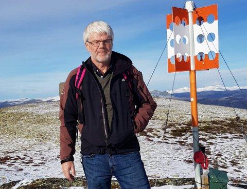 Erik Ødegård har fritiseiendom i Heidal og er kritisk til hvordan Sel kommune beregner deler av sine avgifter på.