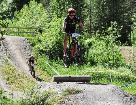 SVEVDE TIL BRONSE: Ingrid Bøe Jacobsen tok NM-bronse på rundbane under NM i terrengsykling lørdag.
