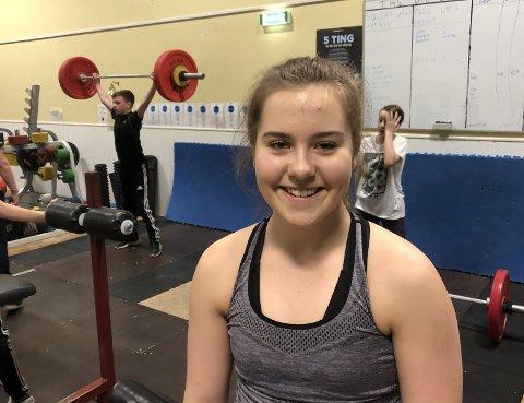FRA SVØMMING TIL VEKTLØFTING: 15 år gamle Tine R. Pedersen har bakgrunn fra Haugesund Svømmeklubb.