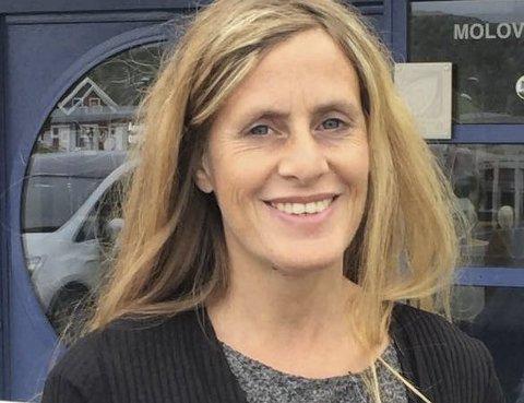 Hjelp til mindreårige: Siv Anita Myhre, rådgiver hos Fylkesmannen i Nordland og opprinnelig fra Brønnøysund, rekrutterer verger. Foto: Privat