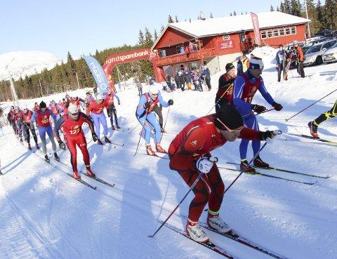 UTSATT: I fjor ble Åsan Rundt først utsatt, og senere arrangert 4. mars, i en forkortet løype på 7 kmsom ble gått flere ganger.