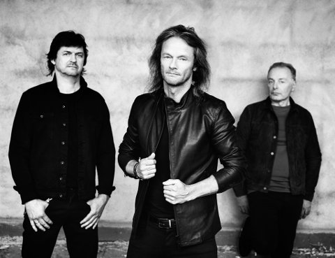 KOMMER TIL BRYNE: 80-tallsikoneneStage Dolls, med Torstein Flakne (i midten), Morten Skogstad (t.v.) og Terje Storli (t.h).