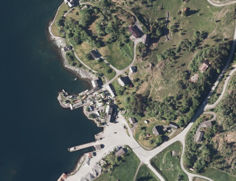 FLEIRE ULOVLEGE TILTAK: På Varaldsøy har det gått føre seg fleire ulovlege tiltak som er meldt inn til kommunen, men Kvinnherad kommune har slutta å svara.