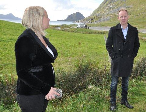 TURISTSKATT: Stortingsrepresentant Mona Fagerås (SV) oppfordrer Lofotrådet og leder Remi Solberg (Ap) om å delta i høringen i Stortinget om turistskatt i januar.