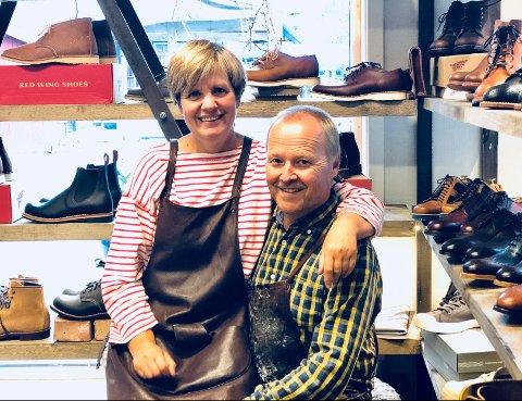 Hilde Hauger Myhre og Roy Myhre har vært byens populære skomakere i snart 38 år, og har på ingen måte tenkt å gi seg med det.