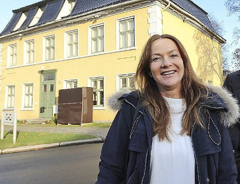SOLIDE INNTEKTER: Hilde Omre har bevilget seg selv et utbytte på 8,7 millioner etter bl.a. ha solgt Henrich Gerners gate 7 (bak). - Jeg har kjøpt meg piano, sier hun om pengebruken.