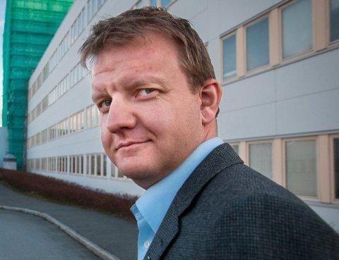 Tidligere byrådsleder i Tromsø, Høyre-politiker Øyvind Hilmarsen, har begynt i ny jobb hos SINTEF.