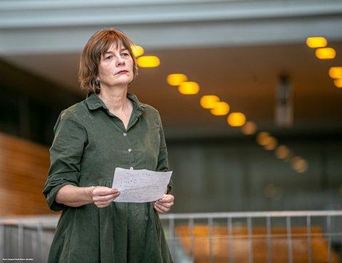 - BRUK MUNNBIND: Kommuneoverlege Inger Hilde Trandem ber tromsøværinger om å bruke munnbind innendørs på offentig sted, dersom man ikke klarer å holde tilstrekkelig avstand til andre.