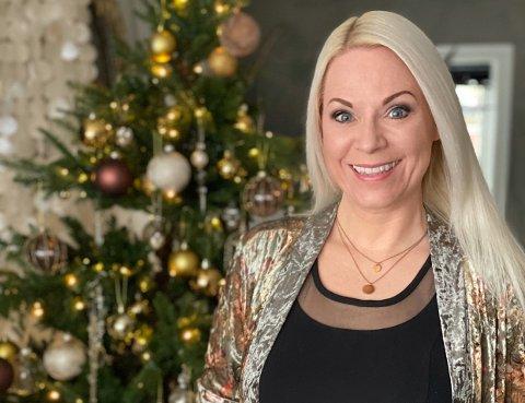 JULEVAKKERT: Fotograf, stylist og influencer Franciska Munck-Johansen har bloggen franciskasvakreverden.no og Instagram-kontoen @franciskasvakreverden. I år har hun også startet julekontoen @vakrejuleverden.