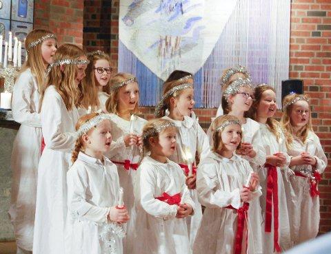 LUCIATOGET: De aller yngste elevene i Marianne Mørks teaterskole er bare sju år gamle. BEGGE FOTO: METTE KVITLE