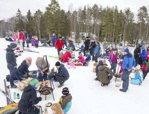 Yrende liv: Familiedagen med Skiforeningen på Østre Greverud gård i Oppegård, har blitt en tradisjon for mange.