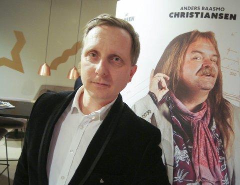 TILBAKE: Det er fire år siden forrige film med Jørgen Storm Rosenberg som produsent. Nå er han tilbake med komedien Norsk byggeklosser, som hadde premiere denne uka. – Det er første gang jeg gir meg i kast med en komedie. Det har vært veldig gøy å gå inn i en ny sjanger, kommenterer Rosenberg, som er meget spent på responsen fra publikum.   FOTO: ROLF-OTTO ERIKSEN