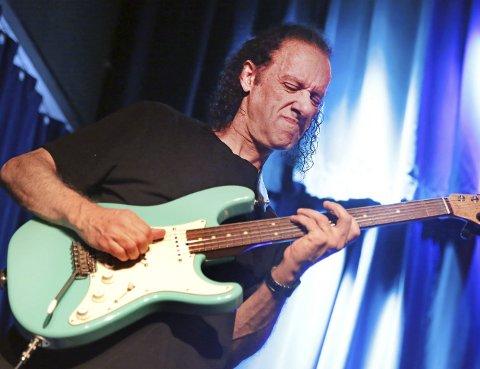 Scott Henderson: Et annet hett navn på gitarfestivalen blir Scott Henderson.