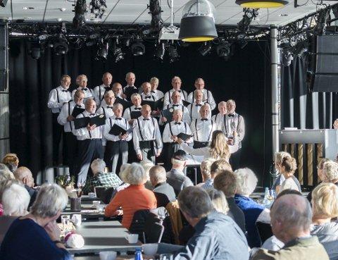 Stavern mannskor: Godt voksne og stadig med konserter er Stavern mannskor et vel etablert kor.
