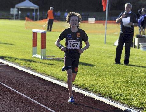 LØP FORT: Esten Hansen-Møllerud Hauen sikret seg bronsemedalje selv om han falt i UM-debuten. Foto: Svein Halvor Moe