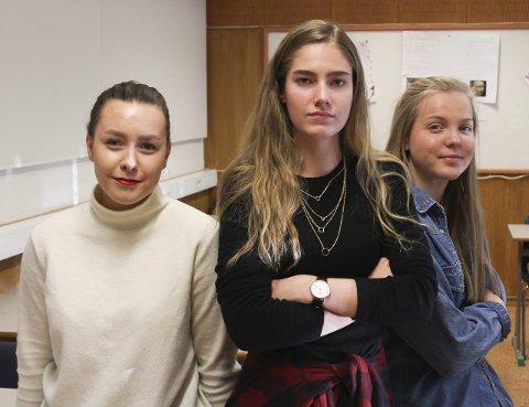 Andrea Andersen, Vilde Breivik og Siri Lien mener vedtaket åpenbart ikke blir fulgt.