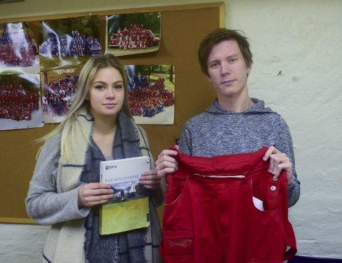 Rebekka Naomi Andersen (17) og Simen Løken (18) er fornøyde med valget sitt om å ikke være på russebil.