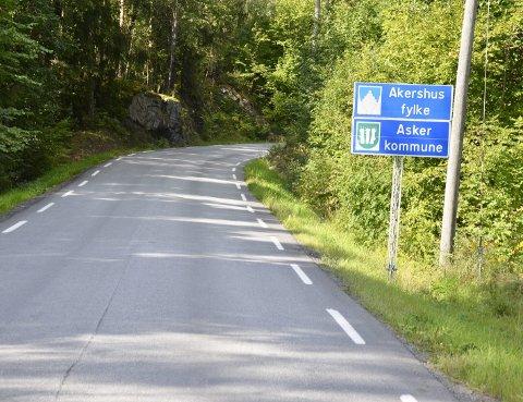 RUSTE OPP: Rustadveien bør rustes opp, og politikerne i Røyken er villige til å strekke seg langt.
