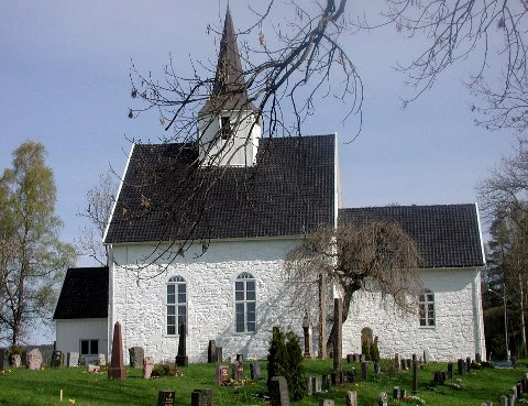 Det er mange konfirmanter i Røyken kirke denne høsten - også i de andre kirkene i Røyken.