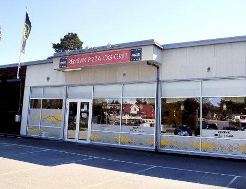 Rensvik Pizza og Grill  er stengt etter at tre nye personer har testet positivt for koronaviruset i Kristiansund.
