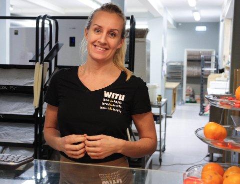 TRIVES: Maria Høgås mener at With Bakeri er en plass som gir et godt inntrykk og bidrar i Tønsberg.