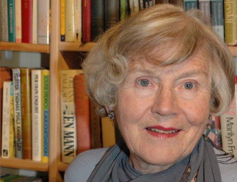 ANNO 2007: Bøker har betydd mye for Maren Brit Baadshaug, men her i bygda er hun kanskje aller mest kjent som drivkraften bak de lokale arrangementene på kvinnedagen.