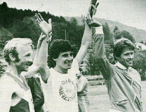 MØTE: En verdensstjerne og to lokale helter på Tingvollekene i 1979. Magne Wullum /t.v.), Sebastian Coe og Asle Olsen. (Faksimile AA)