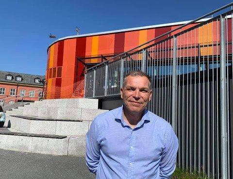 FRÅ BERGEN TIL ALVER: Jan Ove Johansen er Alver kommune sin nye tenesteleiar for skule.