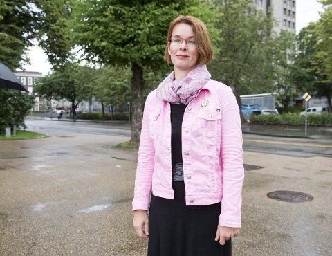 Jana Midelfart Hoff (H) synes det er fryktelig at saken om Cecilie Andersen datter og andre i Olsvik er såpass omfattende.