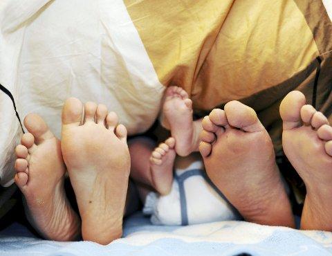 TRENGER FLERE: Fødselstallet i Norge er for lavt til å holde innbyggertallet noenlunde stabilt i fremtiden. Politikerne bør ta grep og gjøre det økonomiske lettere for yngre å bli foreldre.ILLUSTRASJONSFOTO: NTB SCANPIX