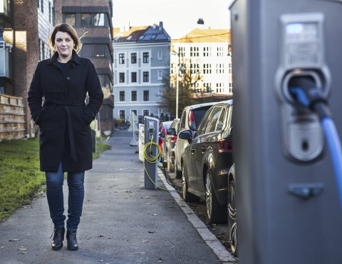 BOMPENGER: Generalsekretær i Norsk elbilforening, Christina Bu, tror bompenger kan komme til å påvirke elbilsalget. FOTO: Mariam Butt/NTB scanpix /