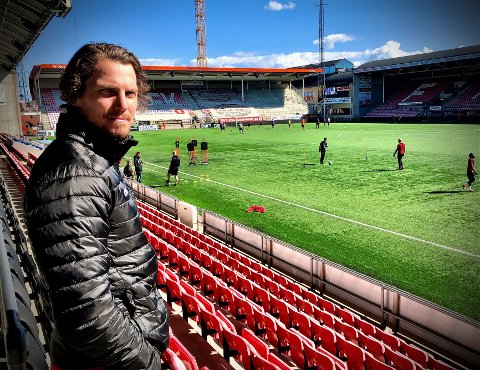 KONTROLL, MEN SPENTE TIDER: FFKs daglige leder Joacim Heier så onsdagens trening fra tribunen. Klubben har økonomisk kontroll enn så lenge, men vil få det stadig tøffere.