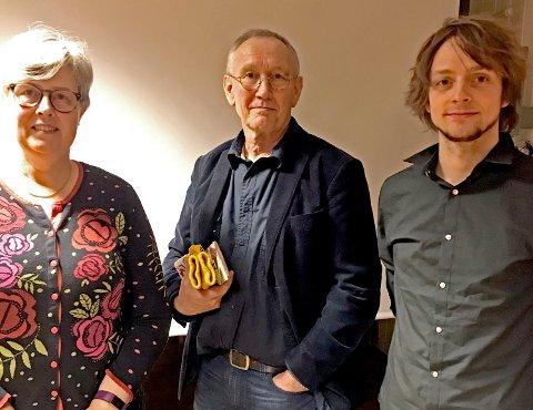 Steinar Svarte - her flankert av Kristel Langhard og Svein Joar Husjord under et møte i regi av MDG der Acer ble diskutet - mener det er grunn til å juble for at Norge går inn i dette samarbeidet.