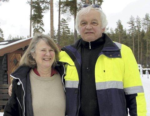 FULL STOPP I TRAFIKKEN: John Sørpebøl og Audhild Nesholen erkjenner at det er tøft å drive campingplass under koronakrisen.