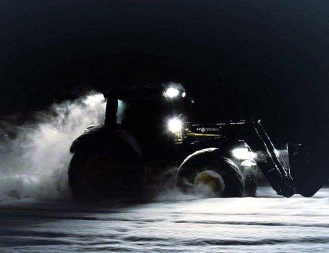 VINNERBILDET: Full fart så snøføyka står. Foto: Anette Bergheim