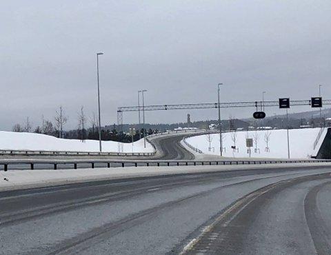FEIL DOSERT?: Flere mener at avkjøringen fra Gran sentrum og sørover på nye riksveg 4 oppleves som utfordrende.
