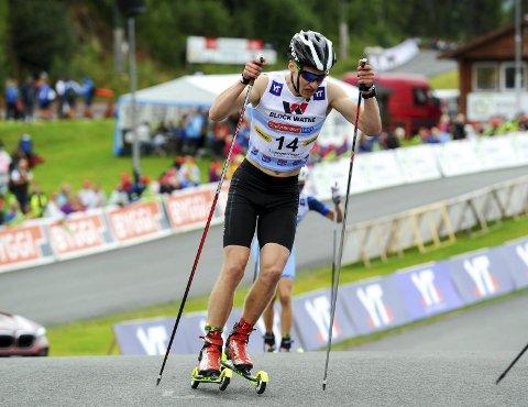 GODT LANGRENN: Emil Storjord Vilhelmsen ble nummer 10 i sommer-NM etter at han var nummer 14 i hopprennet og gikk et godt langrenn 10 km. Foto: Svein Halvor Moe