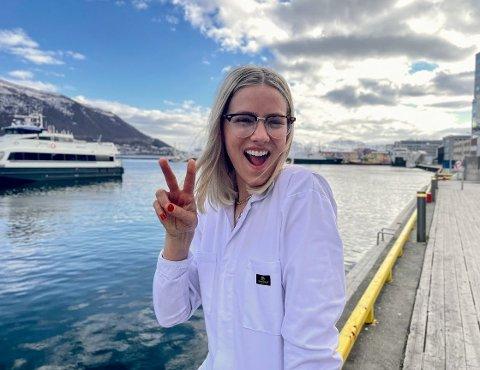 «HJEM» TIL HARSTAD: Dagny Norvoll Sandvik står på Bakgården-scenen lørdag 21. august. Dette bildet er tatt i Tromsø.