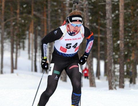TOPP TRE: Martin Femsteinevik gjennomførte ein ny god skiskyttarkonkurranse då det blei tredjeplass i søndagens norgescuprenn på Os i Nord-Østerdal.
