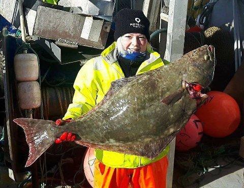 LEI TRAKASSERING: Fisker Susanne Johansen vil få slutt på trakasserende meldinger til kvinnelige fiskere. Her fra kveitefiske ved en tidligere anledning.